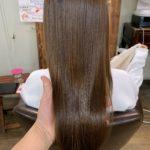 髪質改善トリートメントカットのビフォーアフター。